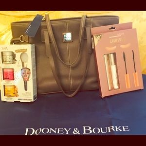ONE DAY SALE! NWT Dooney & Bourke Tote &FREE ITEMS